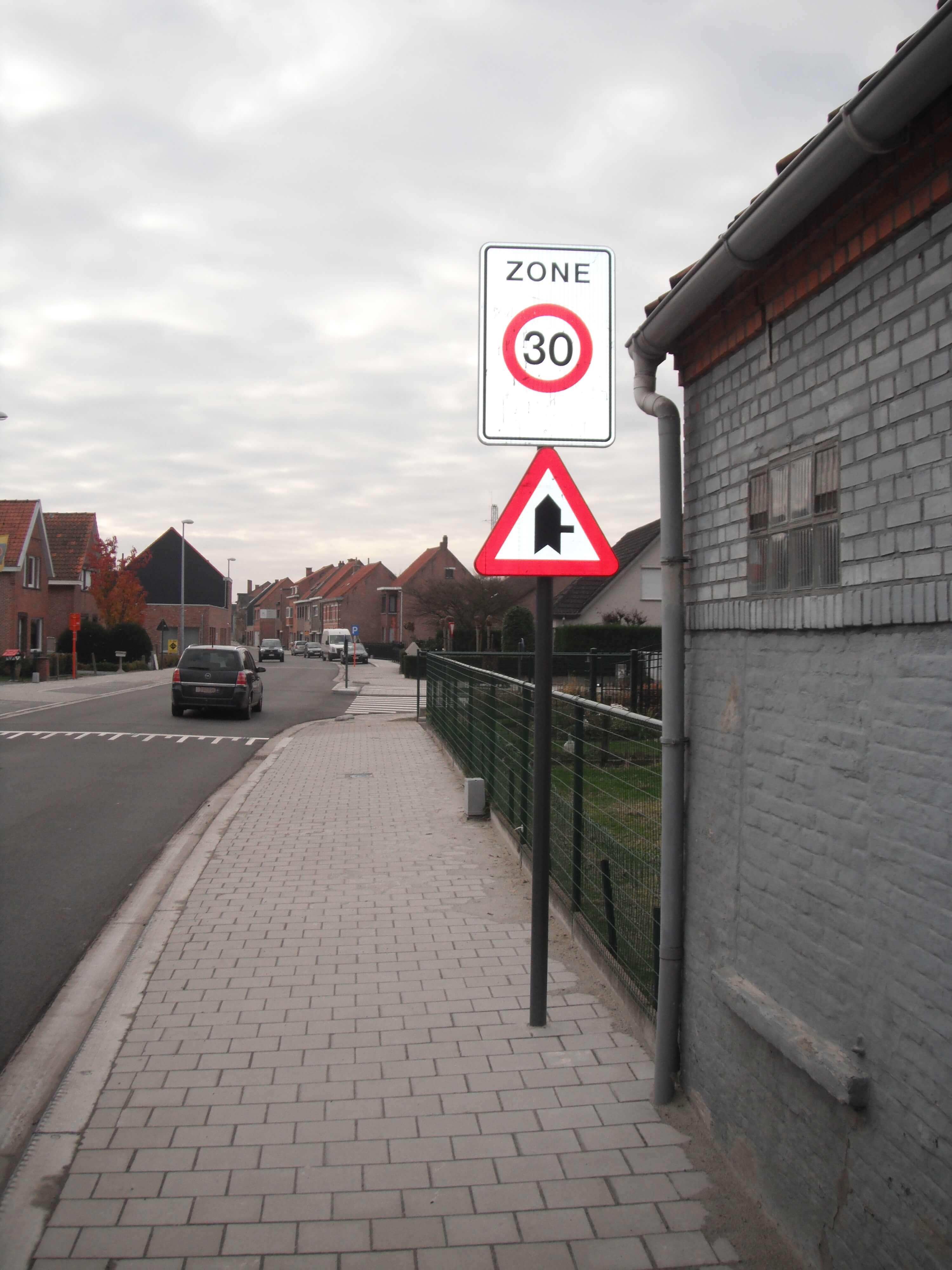 Aanleg openbare weg en voetpaden